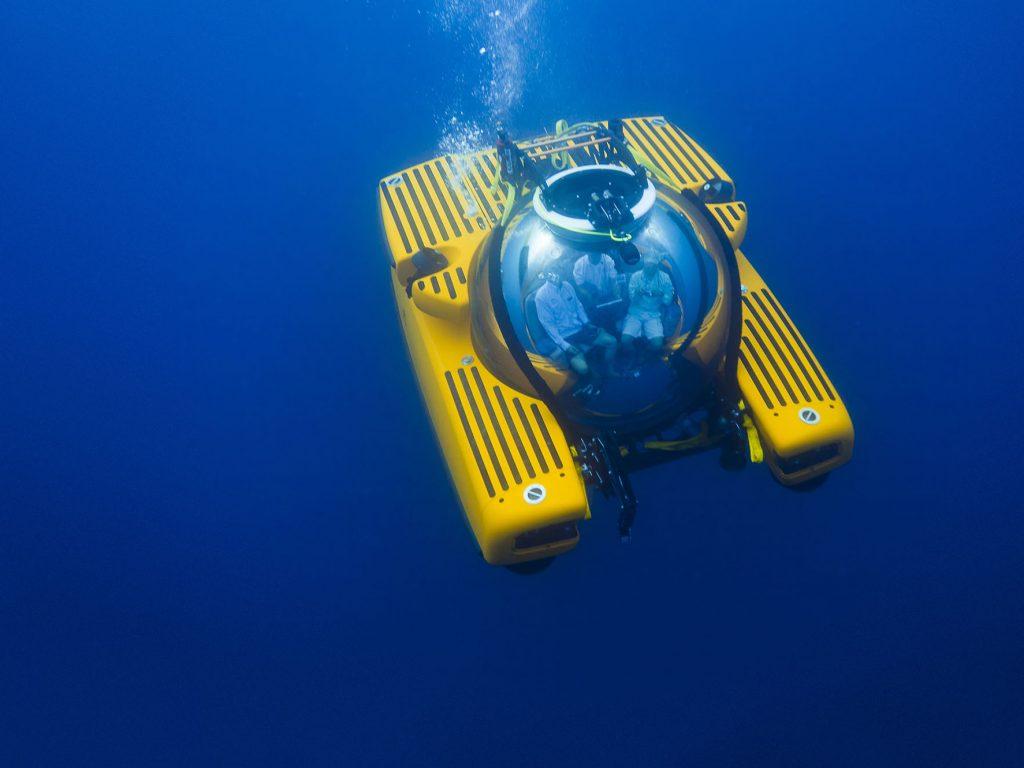 Triton_Submarine_01